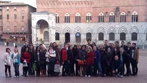 JCU Students in Siena's Piazza del Campo