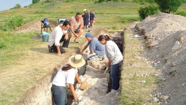 Professor Eric De Sena to Visit Archaeological Site in Serbia