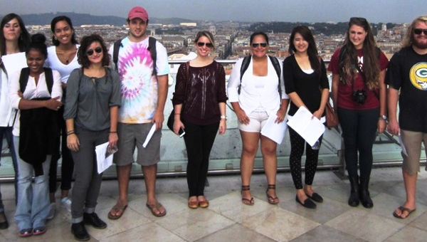JCU Urban Ecology Class Undertakes Studies on Air Visibility in Rome