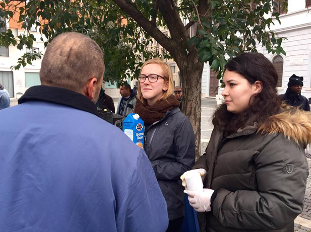 La Ronda della Solidarietà: A Weekly Meeting With the Less Fortunate