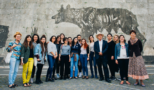 "Professor Yawn and students pose with William Kentridge and his ""Triumphs and Laments"" on the Tiber"