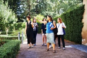 Students of the MA in Art History and Professor Lila Yawn (first from left) at Villa Farnesina