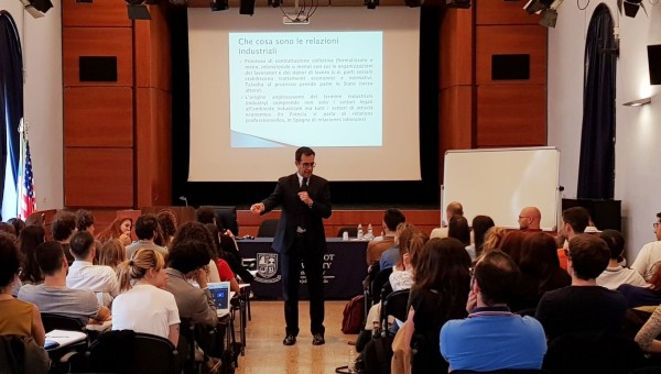 Corriere dello Sport CFO Ottavio Ottaviani Meets JCU Students for Career Advice