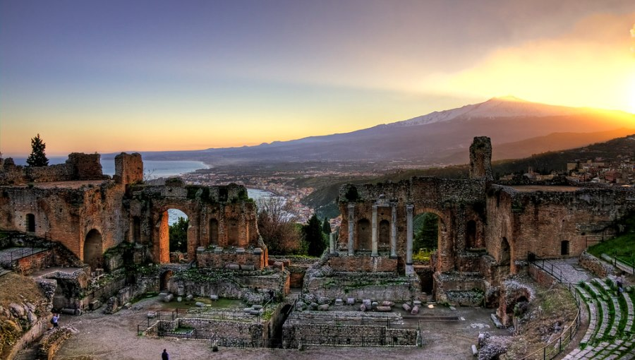 Institute of Future and Innovation Studies Participates in Messina/Taormina Conference